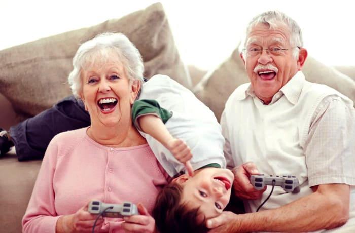 бабушка балует внуков, что делать