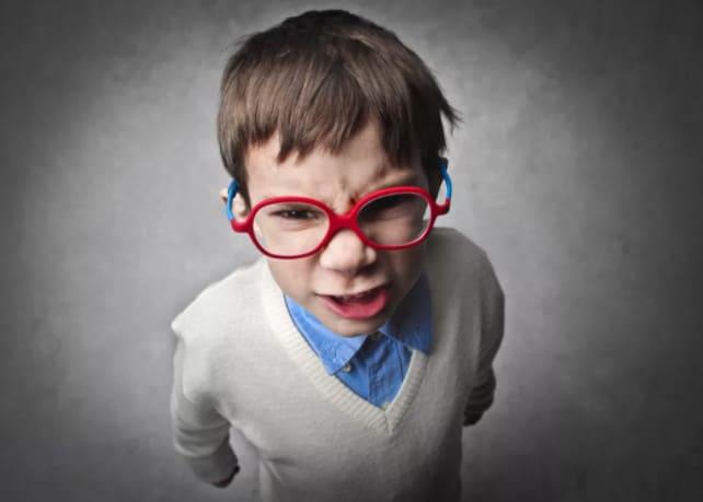 Ребенок дерзит родителям: что делать