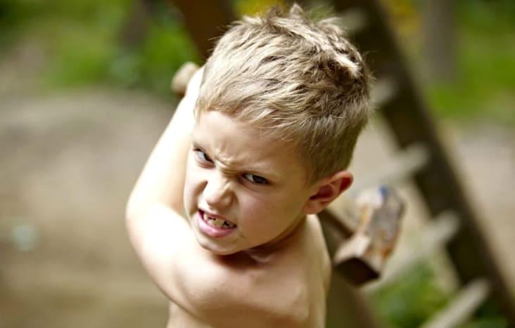 ребенок проявляет агрессию что делать